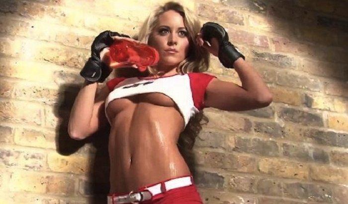 Сексуальные октагон-герлз оказались вэпицентре массовой драки на турнире UFC