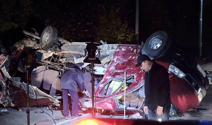 ВЧувашии вДТП смикроавтобусом погибли 13человек (Видео)