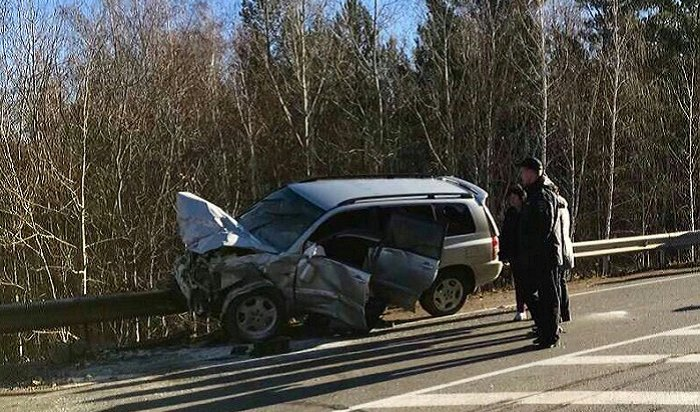 Пассажирка иводитель погибли врезультате лобового столкновения вЗаларинском районе