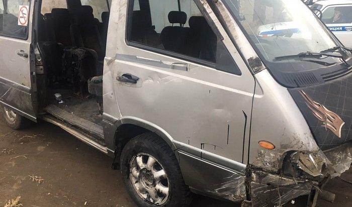 Два человека пострадали вДТП смаршруткой натрассе Усть-Орда— Иркутск