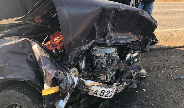 Водитель «Жигулей» погиб при столкновении савтомобилем Ford Focus под Иркутском (Видео)