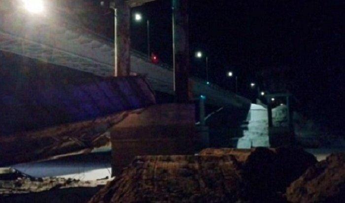 Из-за обрушения моста под Нефтеюганском погибли два человека