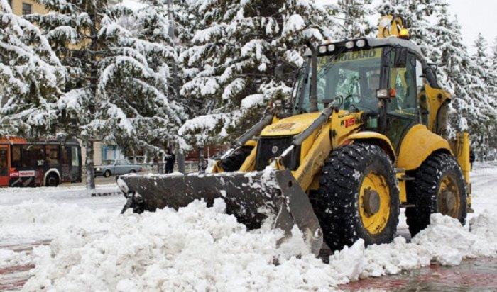 195единиц техники убирает снег надорогах Иркутской области