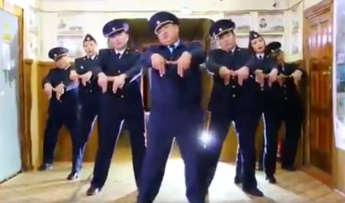 Полицейские из Якутии сняли клип в поддержку конкурса «Звёздные танцы» (Видео)