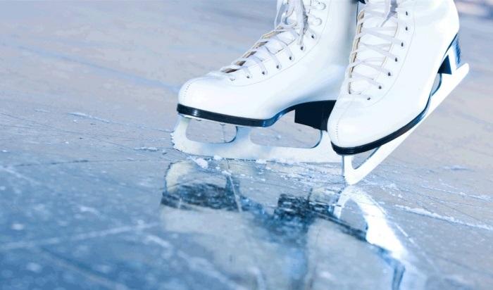 ВИркутске готовят кзиме хоккейные корты