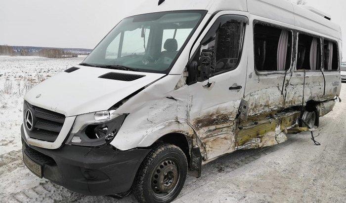 Шесть пассажиров автобуса «Иркутск-Тулун» пострадали при столкновении сLexus