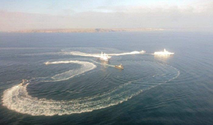 ВФСБ сообщили озадержании украинских кораблей, устроивших провокацию вЧерном море