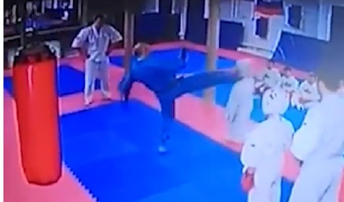 Тренер из Подмосковья наказал ребенка сильным ударом в голову (Видео)