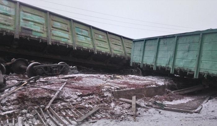 Житель Братска пострадал вовремя схода восьми вагонов нажелезной дороге (Видео)