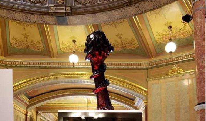 Сатанисты поставили свою статую вКапитолии Иллинойса