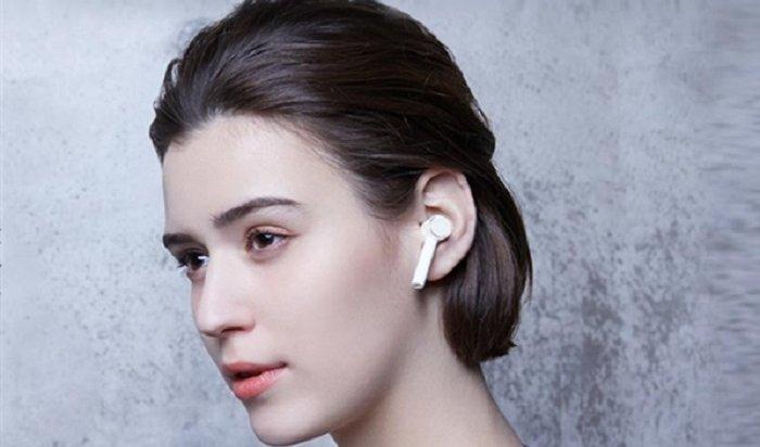 Xiaomi представила беспроводные наушники, которые невыпадут изушей