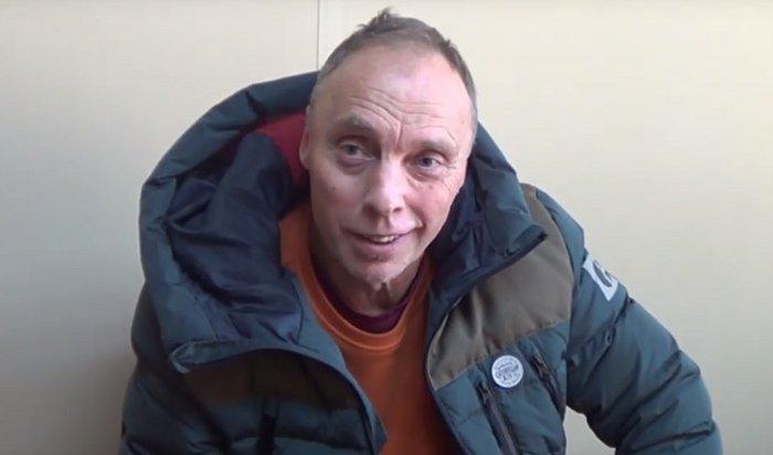 Ностальгирующий пенсионер признался вдрифте упамятника Александру III (Видео)