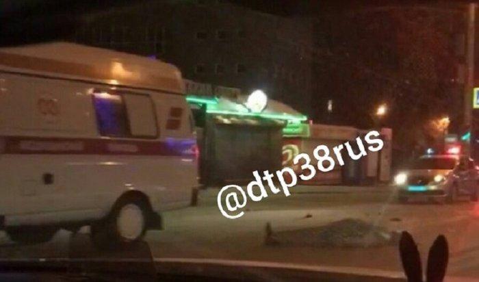 Пожилой мужчина попал под колеса наулице Байкальской вИркутске (Видео)