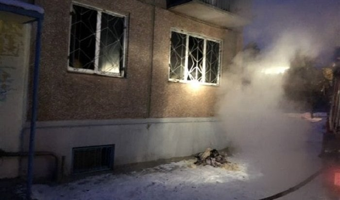Непотушенная сигарета стала причиной пожара вмногоэтажке Ангарска