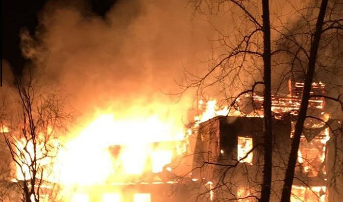 ВШелехове сгорела баптистская церковь (Видео)