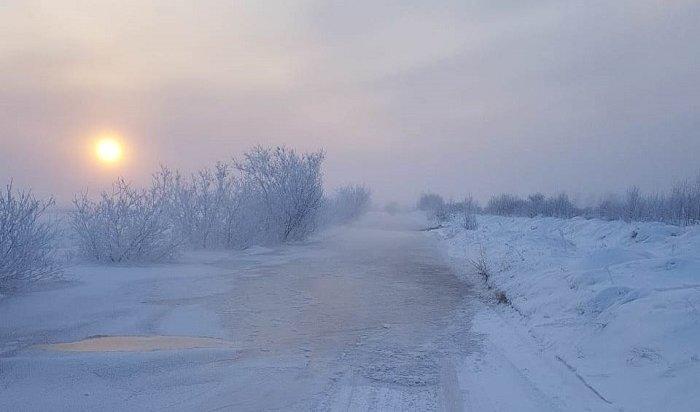 Под Иркутском изберегов вышла река Ангара