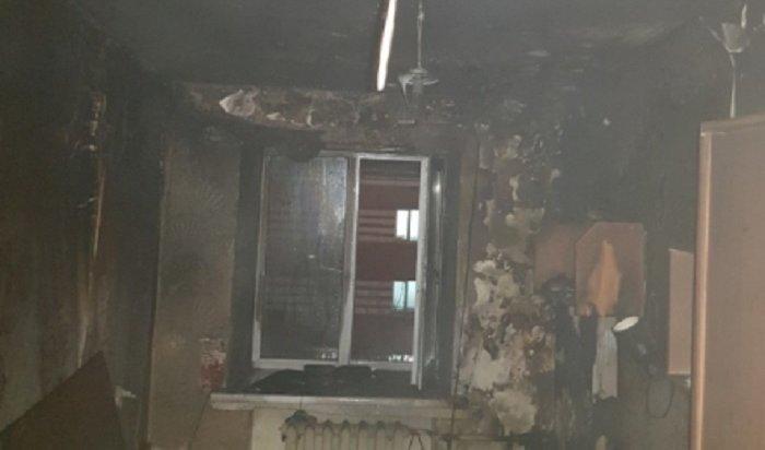 Более 500человек эвакуировали изгорящего общежития вИркутске