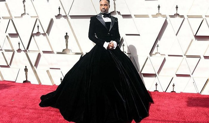 Американский актер прошелся по красной дорожке «Оскара» в платье (Видео)