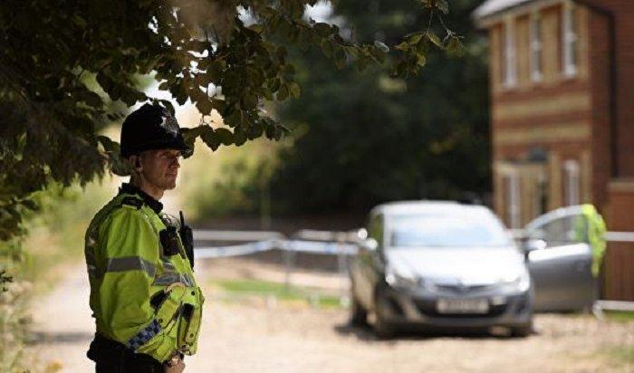 Сын погибшей вАнглии женщины обвинил британские власти впредательстве