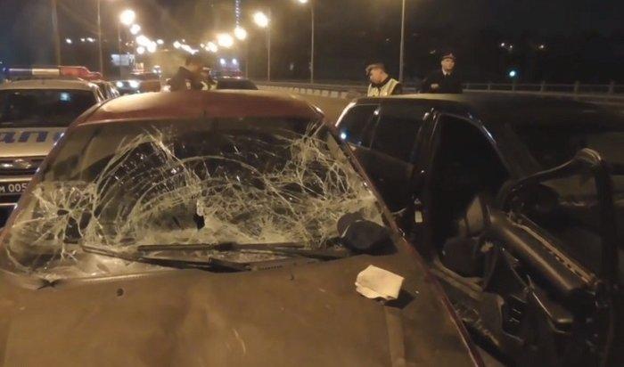 Следователи просят откликнуться свидетелей наезда надевятерых полицейских наИркутном мосту (Видео)