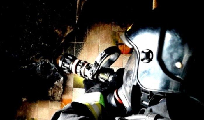 Сотрудники МЧС спасли напожарах 30жителей Иркутской области ввыходные дни