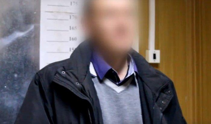 ВИркутске задержали вора, который обокрал пожилую пару, представившись соцработником (Видео)