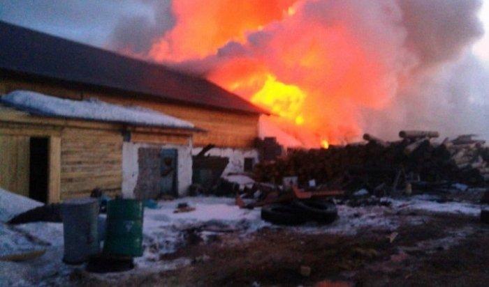 Крупный пожар напилораме ликвидировали вКиренском районе