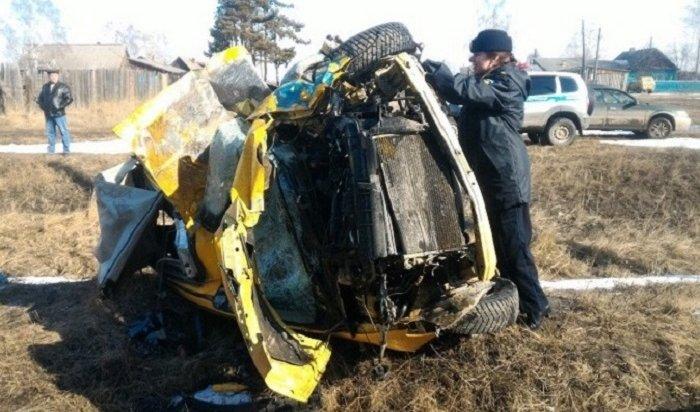 Женщина-водитель Mazda Demio погибла при столкновении сгрузовым поездом