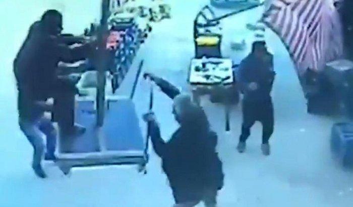 Унесенный ветром: вТурции мужчина улетел назонте (Видео)