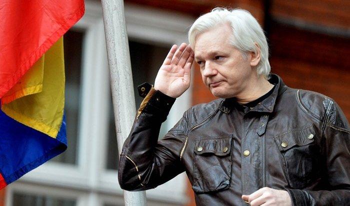 Создателя WikiLeaks Джулиана Ассанжа арестовали вЛондоне (Видео)