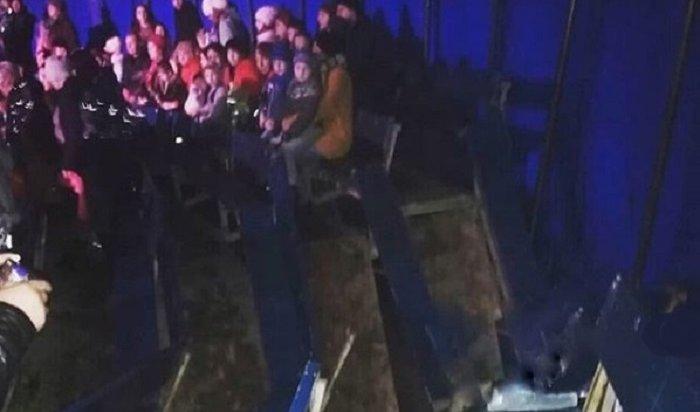 В Усть-Илимске три человека пострадали из-за обрушения трибуны в цирке-шапито