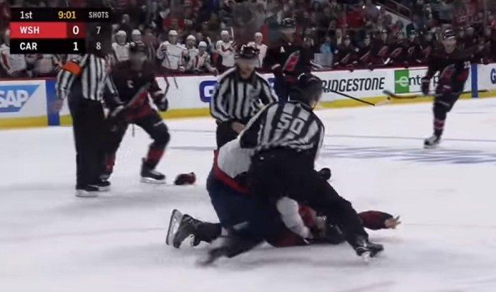 Вматче НХЛ Овечкин избил Свечникова (Видео)