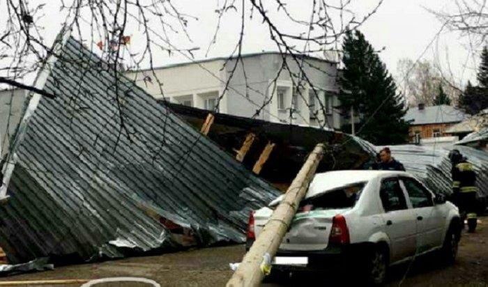 Два жителя Красноярска погибли из-за сильного ветра