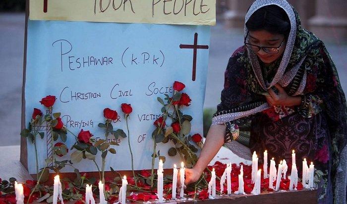 ВШри-Ланке врезультате взрывов погибли 262человека (Видео)