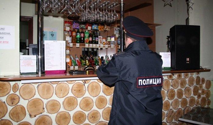 Владельца кафе вАнгарске оштрафовали на200тысяч рублей занезаконный оборот алкоголя