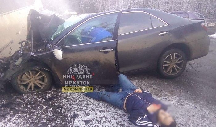 Серьезное ДТП сучастием Toyota Camry иавтобуса произошло вУсть-Илимске