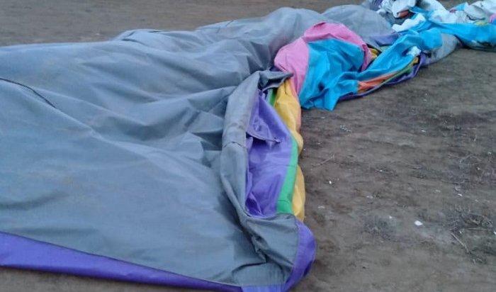 Двое детей пострадали из-за опрокидывания батута вНово-Ленино