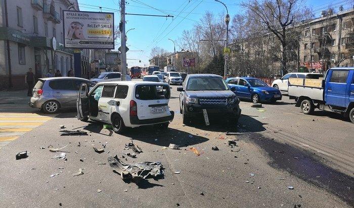 Водитель ипассажир такси пострадали вДТП наулице Советской (Видео)