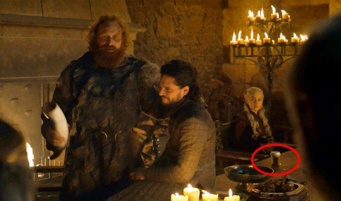 Зрители «Игры престолов» заметили стаканчик кофе изStarbucks