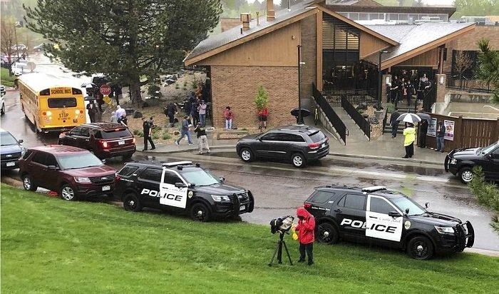 Ученики американской школы расстреляли одноклассников