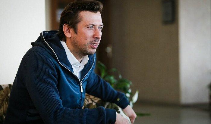 Актер Мерзликин, невъездной наУкраину, пересек госграницу через поле (Видео)
