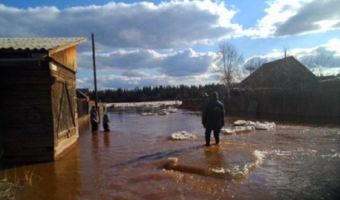 15домов подтопило вселе Преображенка Катангского района