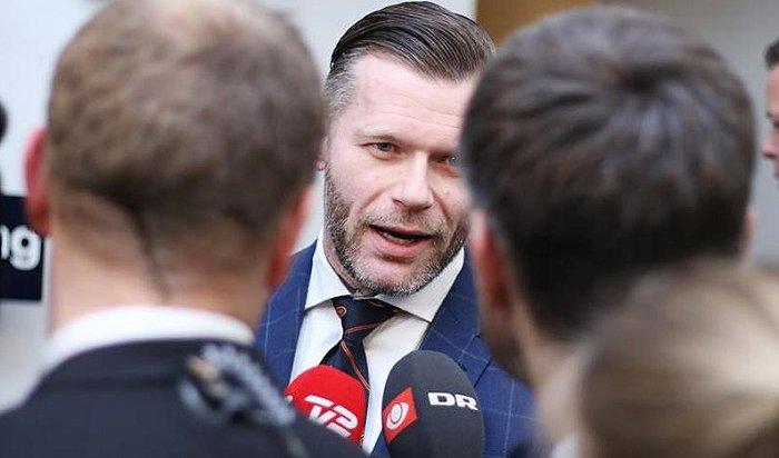 Датский политик разместил предвыборную агитацию напорносайте