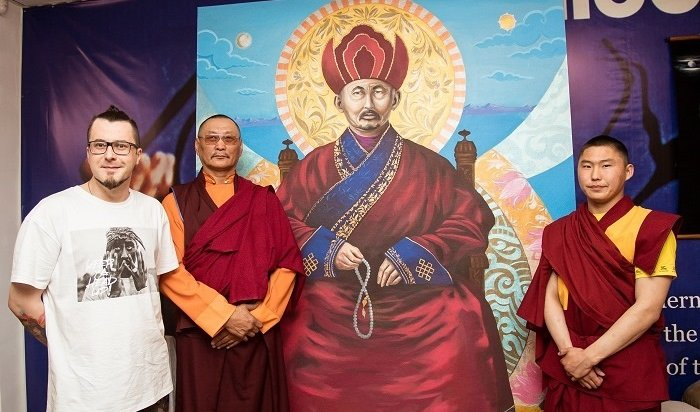 Самый большой портрет Хамбо ламы Итигэлова вошел вкнигу рекордов России
