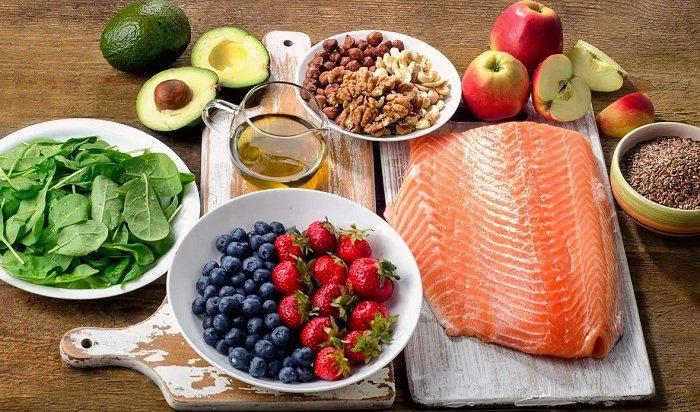 Роспотребнадзор рассказал, чем питаться, чтобы быть здоровым