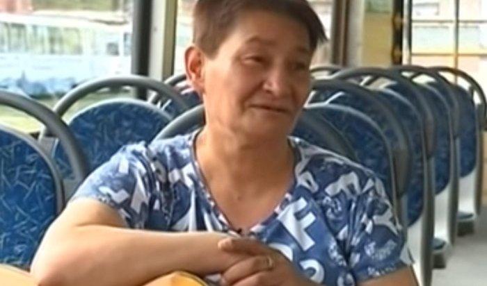 Кондуктор иркутского трамвая стала героиней соцсетей