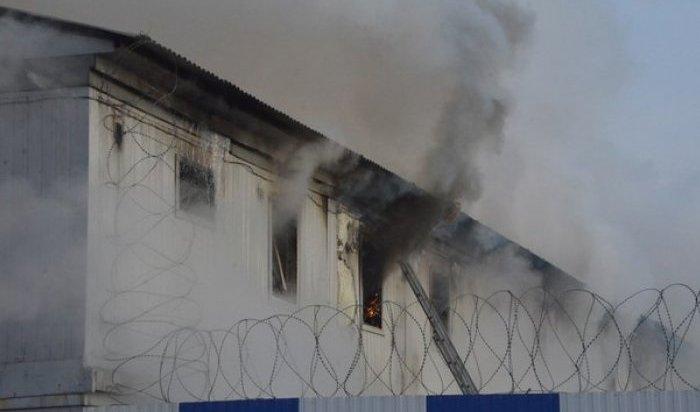 ВСвердловской области тушат крупный пожар вколонии строгого режима