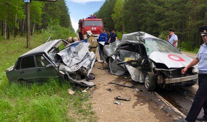 Водители двух автомобилей погибли вДТП наБайкальском тракте (Видео)