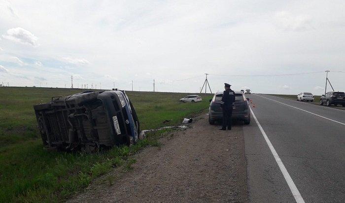 Водитель ичетверо пассажиров маршрутки пострадали вДТП вУсольском районе