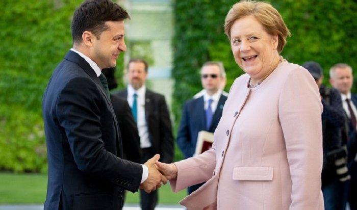 Зеленский иМеркель обсудили снятие санкций сРоссии